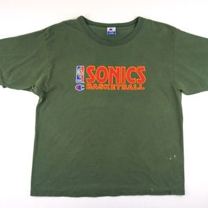 SOLD! Vtg 90s Seattle Supersonics Champion T-shirt